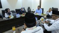 Direktur Jenderal Haji dan Umrah Turki Remzi Bircan saat menggunjungi Misi Haji Indonesia, di Kantor Urusan Haji Indonesia, di Makkah. Bahauddin/MCH