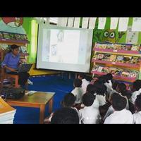 Di tengah wabah virus Corona Covid-19, Taman Bacaan Pelangi dan Chelsea Islan galang dana untuk bantu anak-anak di Indonesia Timur. (Instagram @pelangibook)