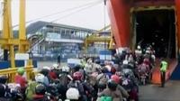 Pihak ASDP Merak memperkirakan sekitar 300.000 pemudik akan menyeberang hingga H-1 Lebaran mendatang.