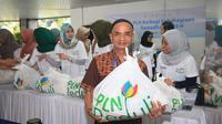 Program PLN Peduli (CSR PLN) berbagi kebahagiaan di bulan Ramadan 1439 H kepada kaum dhuafa di Jabodetabek dengan memberikan 20.000 paket sembako gratis.