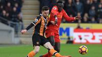 Andrew Robertson (kiri) selangkah lagi pindah dari Hull City ke Liverpool. (AFP/Lindsey Parnaby)