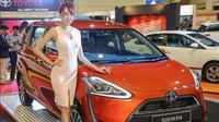 Toyota Sienta kini menyebrang ke Malaysia. UMW Toyota, distributor Toyota di Malaysia memamerkan MPV tersebut di ajang My Auto Fest 2016.