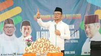 Menteri Hanif saat menjadi pembicara dalan acara Silaturahim Alumni Pondok Pesantren Al Fadlu Wal Fadhilah Kaliwungu, Kendal.
