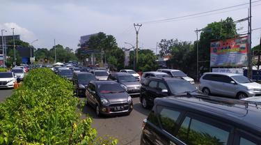Arus lalu lintas Puncak Bogor pada H+4 Lebaran 2019