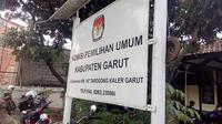 Pasangan Agus Supriadi-Imas Aa Ubudiyah gugat KPU Garut. (Liputan6.com/jayadi Supriadin)