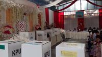 Konsep pesta pernikahan dipilih warga di TPS 18 Gadingkasri Kota Malang untuk pemilu 2019 (Liputan6.com/Zainul Arifin)