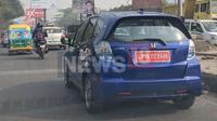 Honda Jazz Listrik terlihat sedang melakukan uji jalan di India, tanpa ada kamuflase. (MotorBeam)