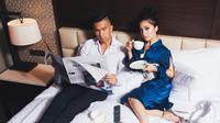 Pasangan selebriti yang melakukan pemotretan. (Instagram/Nikita Willy)