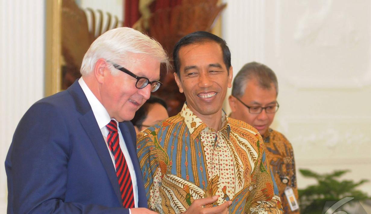 Presiden Joko Widodo menerima Menlu Jerman Frank Walter Steinmeier di Istana Merdeka, Jakarta, Senin (3/11/2014). (Liputan6.com/Herman Zakharia)