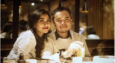 7 Potret Mesra Nisya Ahmad dan Suami yang Jarang Terekspos