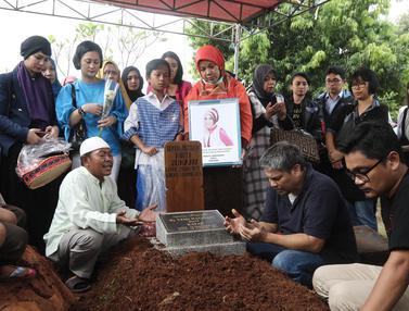Pemakaman Renita Sukardi-Jakarta-Herman Zakharia-20170410