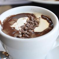 Saat ke Sydney, kamu wajib cicipi coklat panas terbaik di sana.