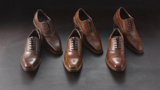 Sepatu Cokelat ini memiliki harga yang lebih mahal dibanding sepatu asli  (foto  odditycentral.com) 4c5a9f472f