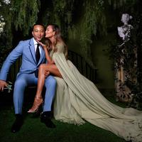 Chrissy Teigen dan John Legend | Instagram.com/johnlegend