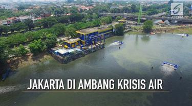 Sebuah laporan yang diproyeksikan PBB menyebut Jakarta sebagai salah satu kota besar yang akan mengalami krisis air bersih di tahun 2030. Eksploitasi air tanah berlebihan, kegagalan menyerap air hujan secara optimal, dan pencemaran disebut sebagai pe...