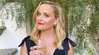 Reese Witherspoon di pergelaran virtual Emmy Awards 2020. (dok. Instagram @reesewitherspoon/https://www.instagram.com/p/CFYMEICA5wP/)