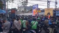 Suasana gerai McDonald's di kawasan Cibiru, Kota Bandung, Rabu (9/6/2021). (Liputan6.com/Huyogo Simbolon)