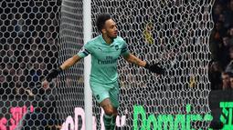 2. Pierre-Emerick Aubameyang (Arsenal) - 22 gol dan 5 assist (AFP/Ben Stansall)