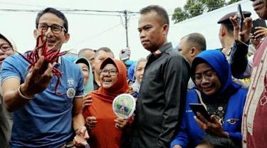 Sandiaga Salahuddin Uno ketika berkunjung ke salah satu pasar di Pekanbaru.