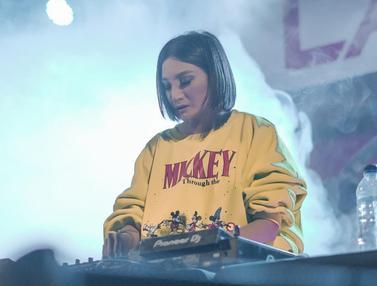 FOTO: Gaya Fashion Kiki Amalia Saat Nge-DJ, Cantik dan Memesona