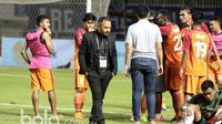 Pelatih Pusamania Borneo FC, Ricky Nelson gagal membawa timnya meraih juara Piala Presiden 2017 setelah kalah dari Arema FC 1-5 di Stadion Pakansari, Bogor, Minggu (12/3/2017). (Bola.com/Nicklas Hanoatubun)