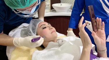 Instant Glowing Perawatan Derma Repair Cell Diburu Para Artis