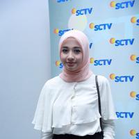Dalam sinetron salah satu program unggulan selama bulan Ramadhan SCTV itu, bermain bersama Ali Syakieb, Meriam Bellina, Dina Anjani, Rully Fiss, Nadira Octova dan sejumlah bintang lainnya. (Galih W. Satria/Bintang.com)