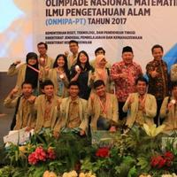 Para mahasiswa UGM membawa pulang 23 medali dari Olimpiade Nasional MIPA tahun ini. Prestasi mereka tentu bikin bangga Tanah Air. | Sumber Foto: ugm.ac.id