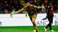 Penjaga gawang AC Milan asal Italia, Gianluigi Donnarumma. (AFP/Miguel Medina)
