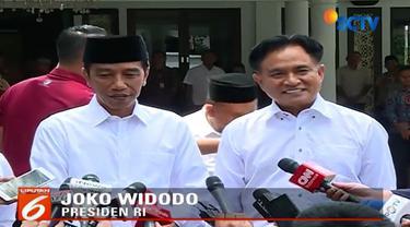 Jokowi mengatakan, hubungannya dengan Yusril baik-baik saja. Keduanya sudah kenal lama sejak PBB mendukung Jokowi dalam pilgub Jakarta 2012 lalu.