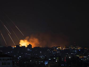 FOTO: Saling Serang Rudal dan Roket Israel - Palestina