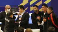 Raffi Ahmad sebagai pemilik Rans Cilegon FC turut hadir dalam kongres tahunan PSSI di Hotel Raffles, Jakarta, Sabtu (29/5/2021). (Bola.com/Muhammad Iqbal Ichsan)