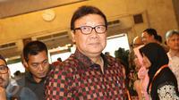 Mendagri Tjahjo Kumolo saat menghadiri rapat pleno terbuka penetapan Cagub dan Cawagub DKI Jakarta, Senin (24/10). (Liputan6.com/Immanuel Antonius)