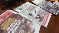 Selain tabloid Indonesia Barokah, Bawaslu Jabar temukan beberapa media cetak yang diduga berisi tentang capres-cawapres. (Huyogo Simbolon)