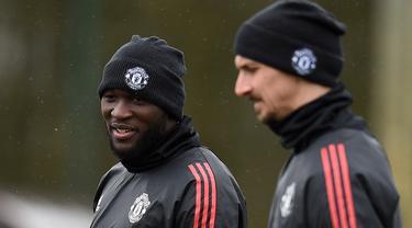 Zlatan Ibrahimovic dan Romelu Lukaku pernah jadi sahabat ketika memperkuat Manchester United. (Foto: AFP/Oli Scarff)