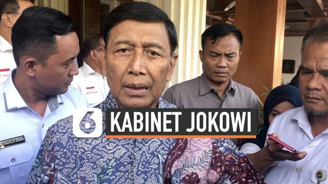 Menko Polhukam Wiranto terlihat keluar RSPAD menuju Kantor Kemenko Polhukam. Ditanya soal soal penawaran menteri, Wiranto menjawab belum tahu.