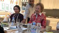 Putri Latifa (kiri) bersama dengan Mary Robinson (kanan), mantan Komisaris Tinggi PBB untuk Hak Asasi Manusia. (Foto: Kementerian Luar Negeri UEA)