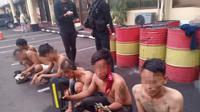Enam preman yang kerap memeras sopir truk di kawasan Kapuk, Cengkareng, Jakarta Barat diringkus polisi. (Dok Polres Jabar)