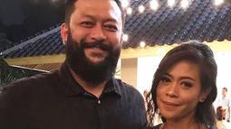 Kikan Namara juga menikah dengan manajernya sendiri yang ternyata berwarganegara Malaysia. Mereka melangsungkan pernikahan pada 20 Desember 2015 silam. (Liputan6.com/IG/@kikankikan)