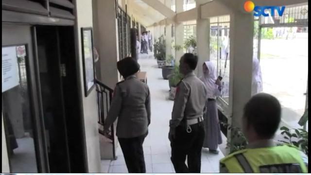 Pihak SMA Negeri 09 membantah ada tindakan pada pembinaan dan pelatihan polisi siswa yang mengarah pada pelecehan seksual.