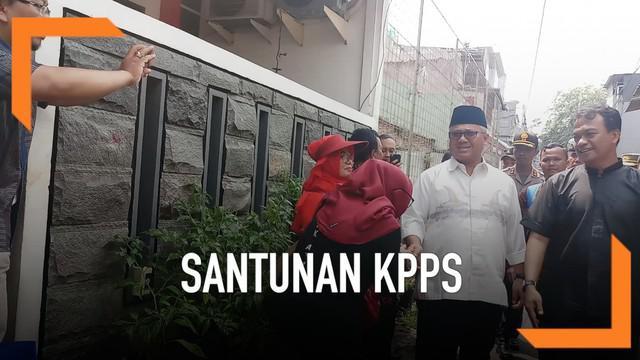 Komisi Pemilihan Umum (KPU) hari ini mulai menyalurkan santunankepada keluarga anggota Kelompok Penyelenggara Pemungutan Suara (KPPS) yang meninggal saat Pemilu 2019.