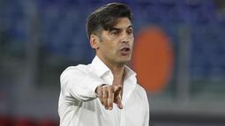 2. Paulo Fonseca (AS Roma) - Posisi ke dua diduduki oleh Pelatih Serigala Ibu kota. Fonseca menerima bayaran 2,2 juta Euro atau setara Rp43,5 miliar per tahun. (AP/Riccardo De Luca)