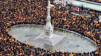 Ribuan demonstran Catalonia. (AFP)