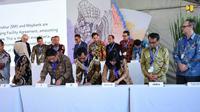 Penandatanganan sejumlah perjanjian kerjasama antara Badan Usaha Jalan Tol (BUJT) dengan perbankan dan Lembaga Keuangan dalam acara Indonesia Investment Forum 2018 (IIF 2018). (Dok Kementerian PUPR)