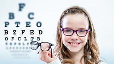 Pentingkah Anak Memakai Kacamata untuk Rabun Jauh?
