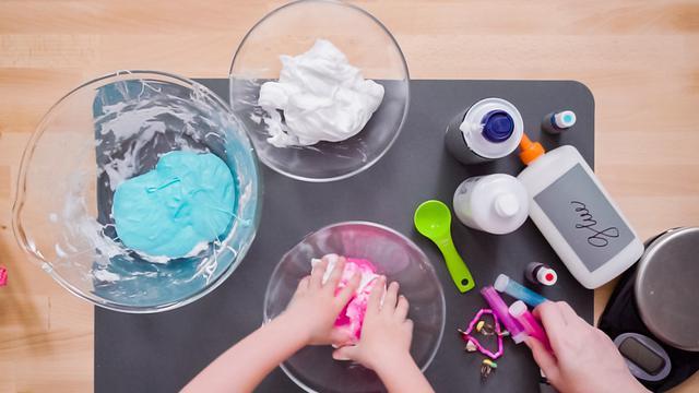 Cara Membuat Slime Dari Lem Fox Dan Bahan Lain Yang Mudah Didapatkan Di Rumah Citizen6 Liputan6 Com