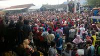 Guna menghormati aturan kampanye, Jokowi tidak melakukan kampanye pada waktu-waktu yang dilarang berkampanye oleh Bawaslu.