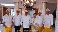 Titiek Soeharto potret bersama Prabowo Subianto dan sejumlah undangan (Dok.Instagram/@titieksoeharto/https://www.instagram.com/p/B584N86DiRK/Komarudin)
