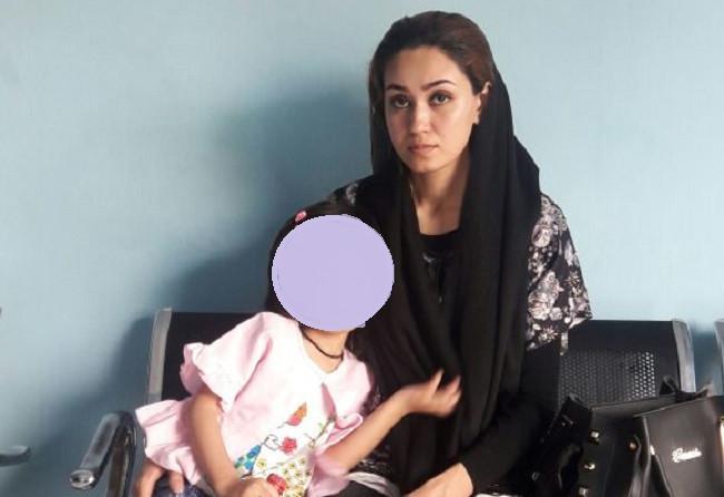Tanpa Bahasa Inggris yang dikuasainya, pengungsi cantik dari Afghanistan itu mendatangi kantor Imigrasi Manado. (Liputan6.com/Yoseph Ikanubun)