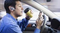 Sebuah riset baru menunjukkan bahwa multitasking saat mengemudi justru berbahaya.